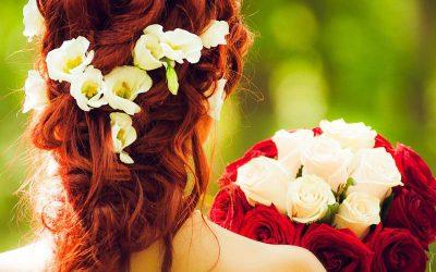Trouwen, daar horen bloemen bij.